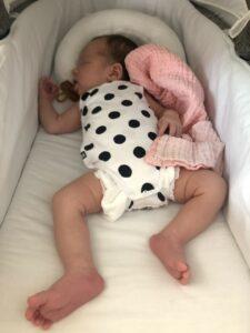 tut momsarahwithlove blog mama ouderschap speen tut